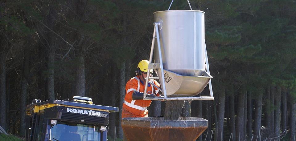 Ground-Effect Concrete Buckets